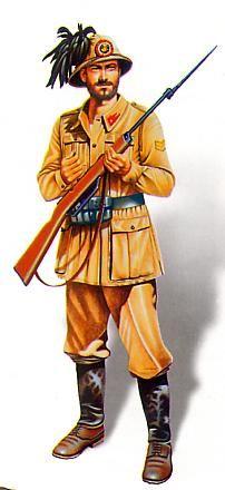Sergente del 10° Bersaglieri durante la guerra d'Africa nel 1940