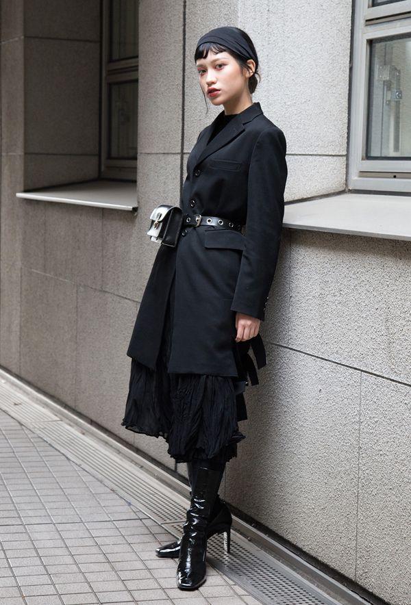 【キャンパス・パパラッチ DAILY】コム デ ギャルソンのジャケットを基調にエレガントにまとめて、木村由佳さん