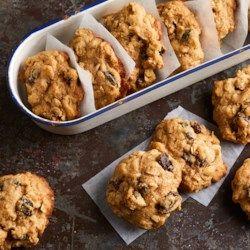Cinnamon-Raisin Oatmeal Cookies - EatingWell.com
