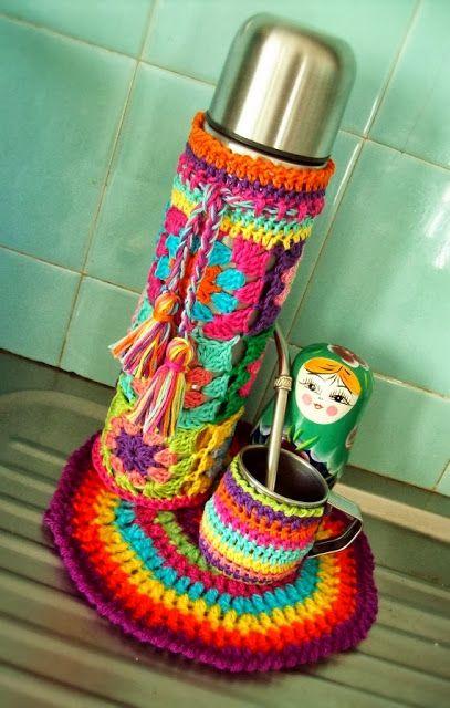 tejidos artesanales en crochet: fundas tejidas en crochet para termos
