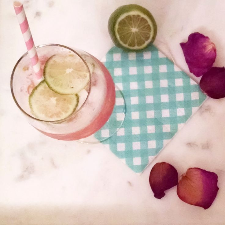 MG Cocktails - Spring Cocktail Recipe: The Pink Grapefruit Paloma #cocktails #spring