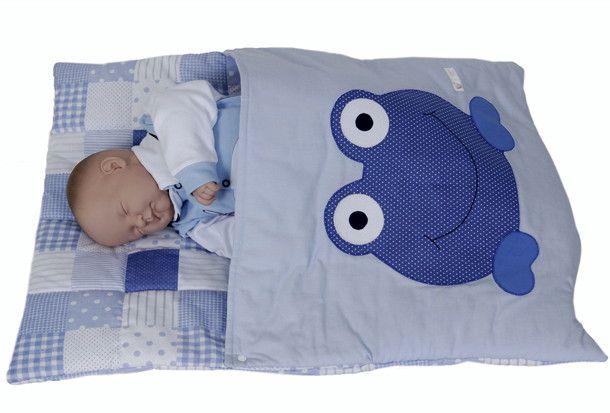 Saco de Dormir para Bebê  Confeccionado em tecido 100% algodão.  Acolchoado com manta acrílica fofinha... fofinha.  A aplicação e a cor do tecido você escolhe.  Este lindo e prático saco de dormir tem um fecho de pressão na lateral que aberto facilita para colocar e retirar o bebê.  Deixa o seu b...