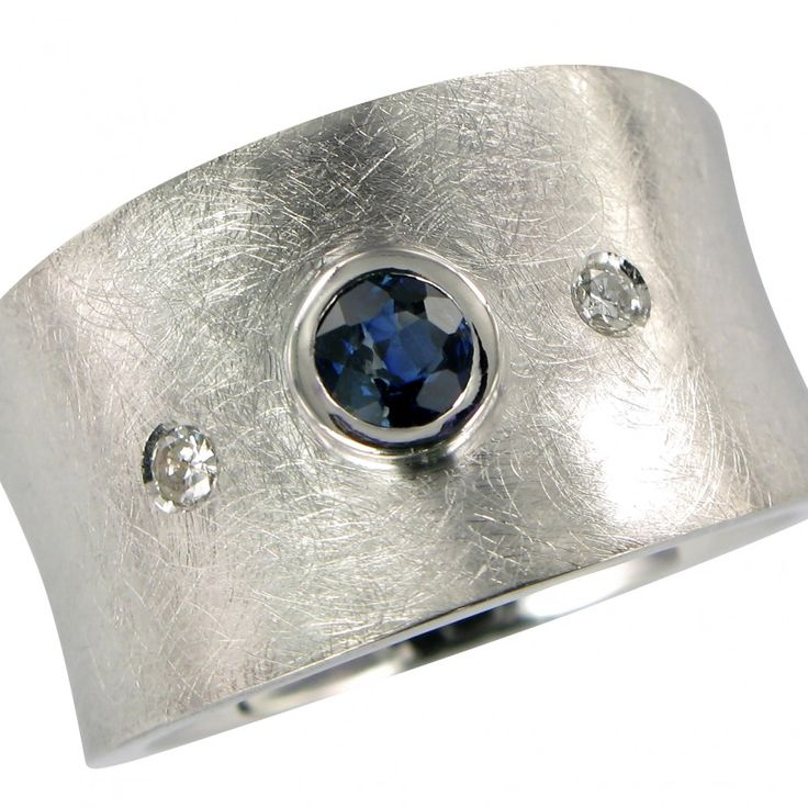 Custom made ring by iStudioJewels.com