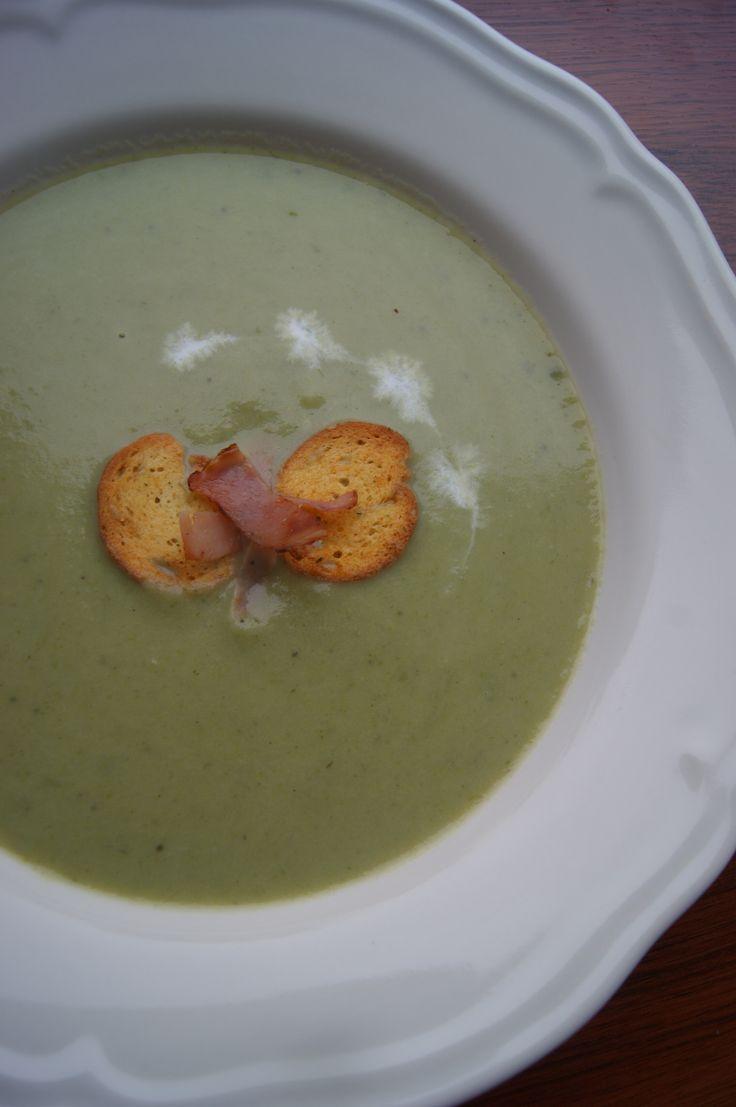 Krémová pórkovo-baklažánová polievka