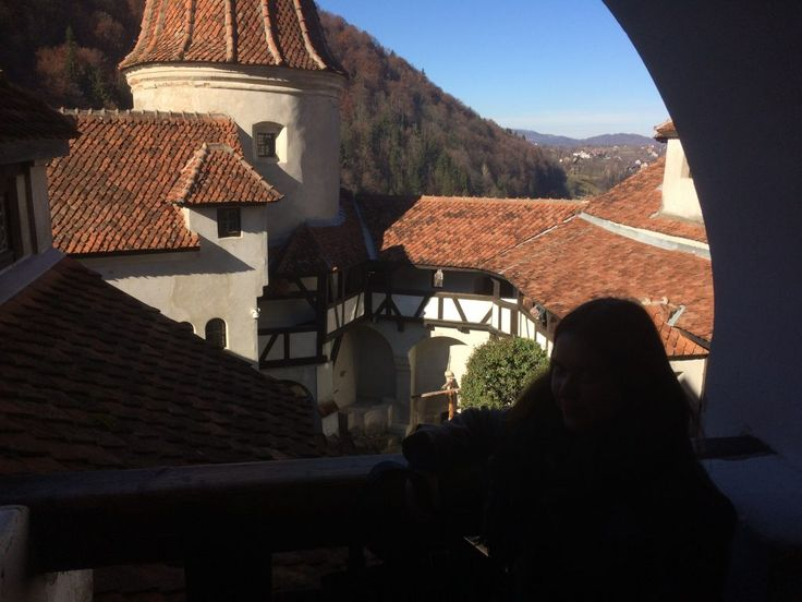 Europe By Bus | Day 19 | Bran Castle - Europe By Bus | Budget Travel Tips & Stories
