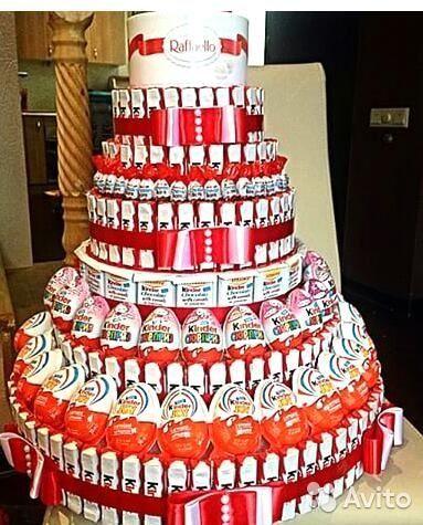 Большой торт из киндеров. Подарок на 14 февраля