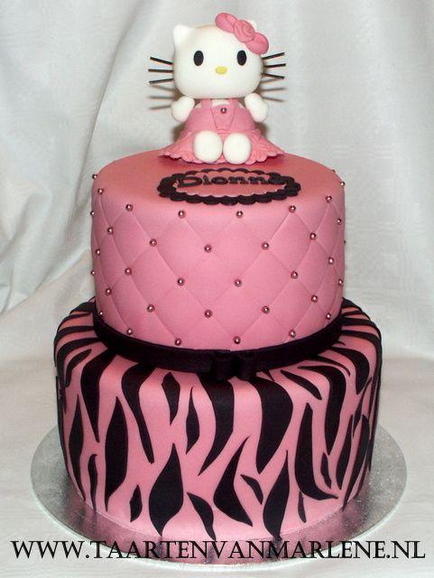 Hello Kitty stapeltaart.
