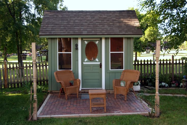 cute garden shed-I could see something like this in our backyard