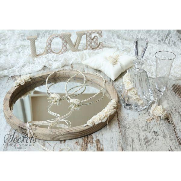Σετ γάμου vintage που περιλαμβάνει: Ξύλινο δίσκο στολισμένο Καράφα & ποτήρι κρυστάλλινα Στέφανα vintage Μαξιλαράκι για βέρες