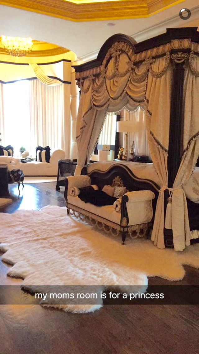 Kim Zolciak's master bedroom