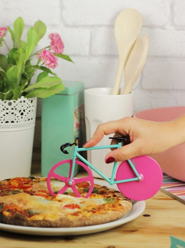 Bicycle Pizza Cutter from DOIY. Cute  functional just how we like it. #pizza #bikes