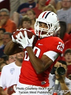Arizona wide receiver Austin Hill was incredible during the Wildcats huge 39-36 win against USC on Saturday in Tuscon. He caught 10 passes for a career-high 259 yards. It was the fifth 100-plus yard receiving game of his career. 247sports-college-football