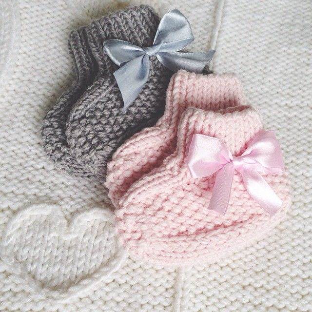 #knit #knitting #strikking #knitgram #iloveknitting #babyknit #babyboots #вязание #пинетки #носочки #екб #екатеринбург #Padgram