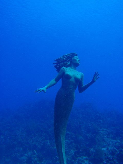I wanna scuba dive in Grand Cayman to see Amphitrite  (the beautiful 9 ft tall bronze mermaid)