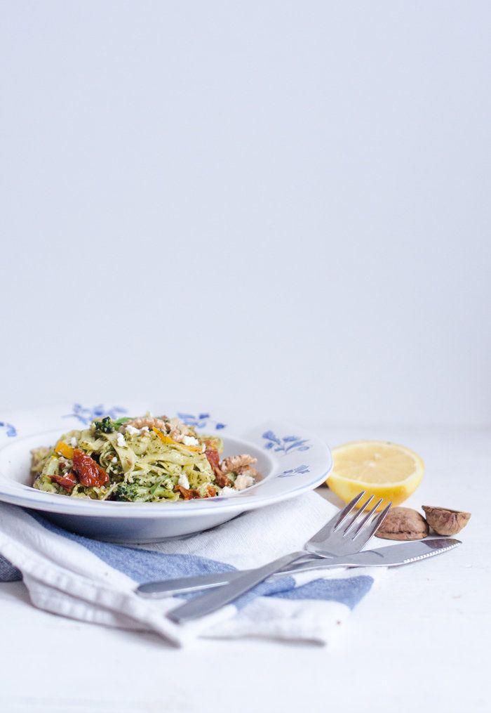 Recept: Pasta med citron, fetaost och pesto - Metro Mode