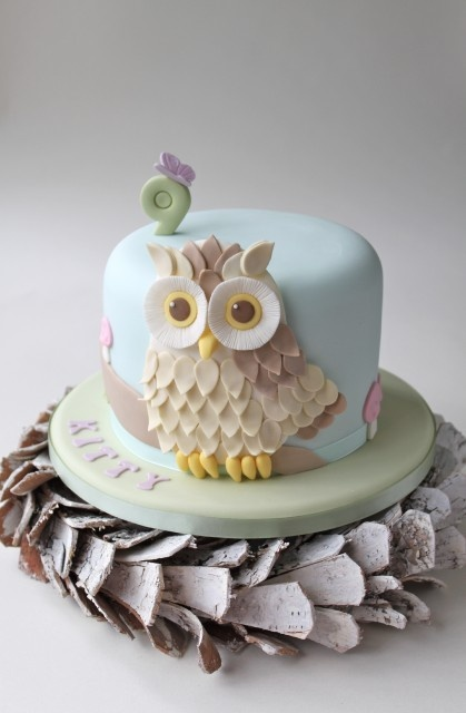 "This owl cakw is too cute! Perfect for a shower ""Look who's coming"""