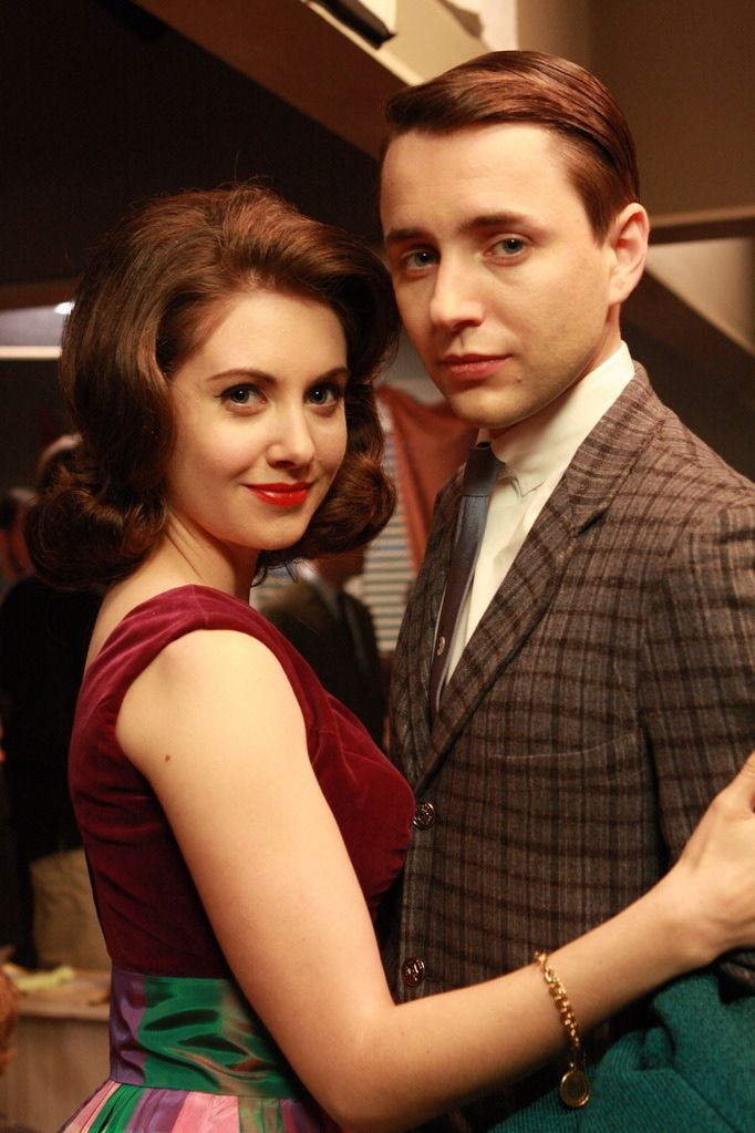 Pete Campbell (Vincent Kartheiser) & Trudy Campbell, neé Vogel (Alison Brie). Pete is a fool...Trudy is a dream