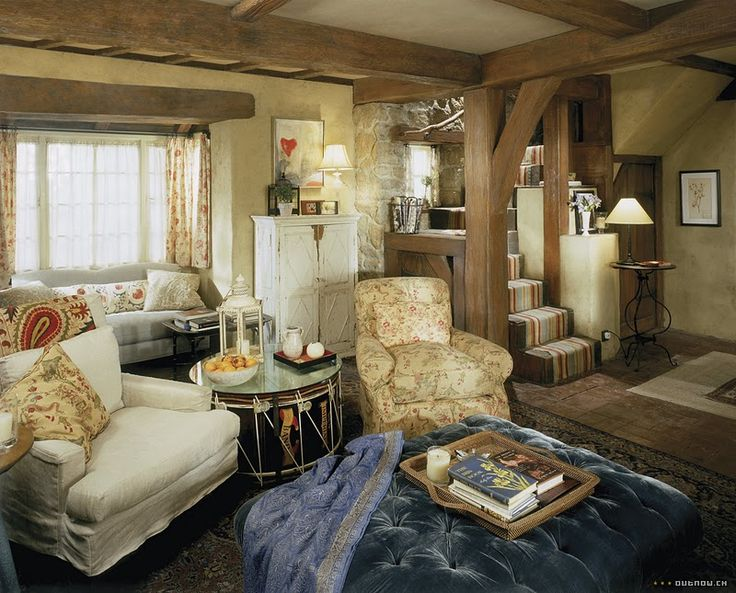 another view of iris's comfy cottage style living room: