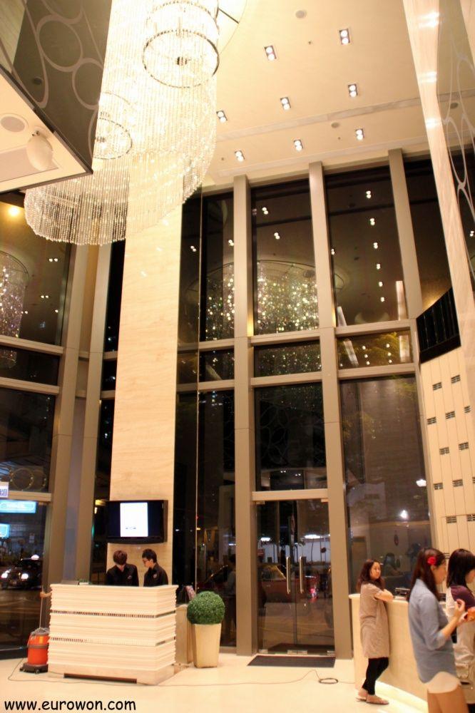 Hall del Hotel Cosmo de Kowloon