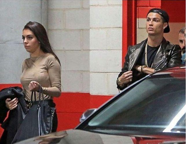 Cristiano Ronaldo e a namorada estiveram juntos no concerto de Justin Bieber https://angorussia.com/entretenimento/famosos-celebridades/cristiano-ronaldo-namorada-estiveram-juntos-no-concerto-justin-bieber/