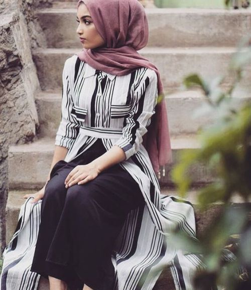 Open striped dress hijab-Flowy and cute hijab outfits – Just Trendy Girls
