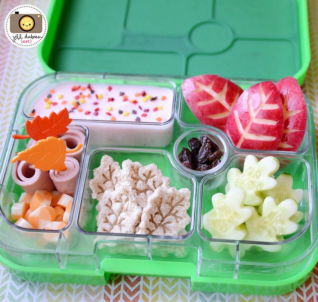 another fun and healthy autumn themed bento box from meet the dubiens yumbox lunch ideas. Black Bedroom Furniture Sets. Home Design Ideas