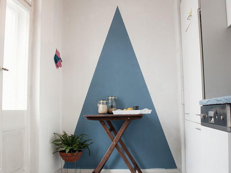 Die besten 25+ Dreieckswand Ideen auf Pinterest Geometrische - bunte hocker designs streichen technik