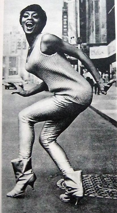 Lola Falana, 1970s......wow and the young ladies wearing these boots today think it is a new design!. Nope.