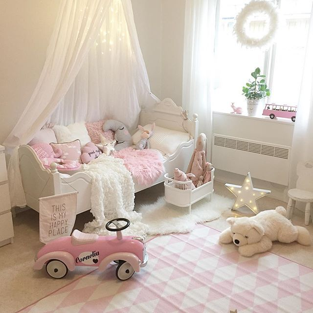 best 25 little girl beds ideas on pinterest girl room. Black Bedroom Furniture Sets. Home Design Ideas