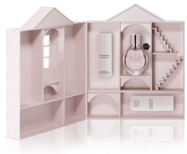 u will never regret this fragrance pure addictive viktor rolf flowerbomb fragraces i love. Black Bedroom Furniture Sets. Home Design Ideas