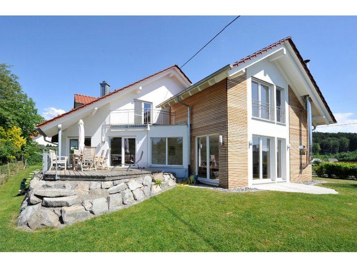 Natur 67 - #Einfamilienhaus von Frammelsberger R. Ingenieur-Holzbau GmbH   HausXXL #Blockhaus #modern #Satteldach