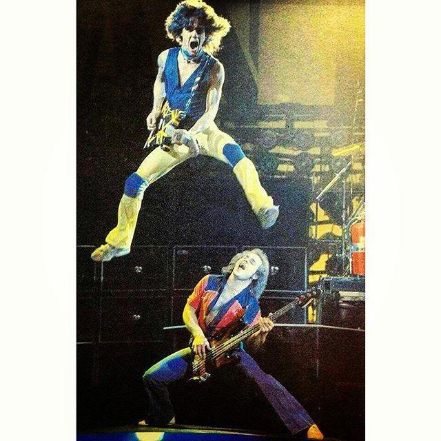 "Just How BADASS Were THE MIGHTY VAN HALEN? Well Judge For Yourself Here With This VANTASTIK Shot Of EDDIE VAN HALEN & MICHAEL ANTHONY During The ""WORLD VACATION"" Tour Circa 1979! #evh #eddievanhalen #alexvanhalen #davidleeroth #diamonddave #michaelanthony #vintage #classic #klassik #rock #music #history #1970s #1979 #Bumblebee #Guitar #badass #kickass #OnStage #RockHistory #vantastikhistory #vantastik #vanhalen #vanhalenhistory"