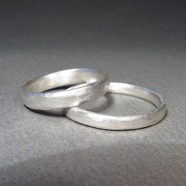 Eheringe - Verlobungs-Eheringe INDIVIDUELLE STRUKTUR - schmal - ein Designerstück von Hilkka bei DaWanda