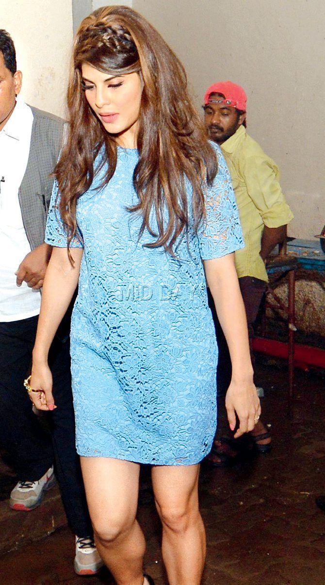 Jacqueline Fernandez outside Mehboob studio for a photoshoot. #Bollywood #Fashion #Style #Beauty #Hot