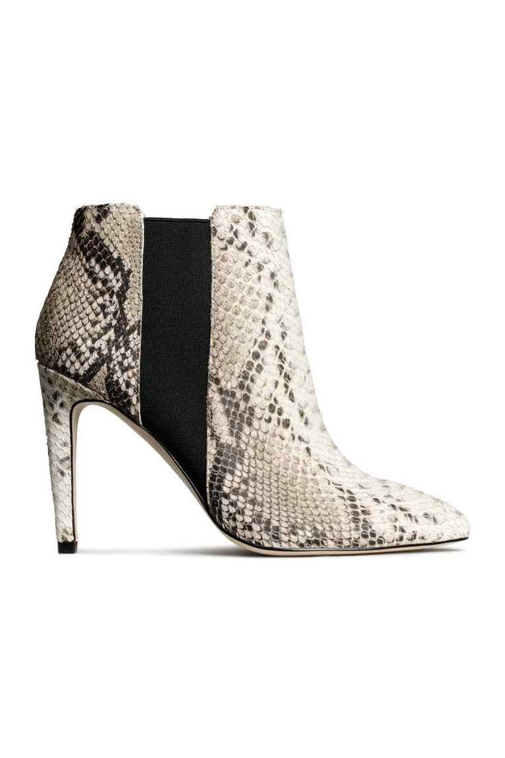Skórzane botki 399,00 PLN KOLOR: Wężowa skóra H&M