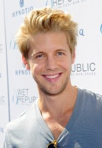 Matt Barr Hairstyle, Makeup, Suits, Shoes and Perfume.