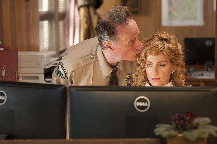 Harry Goaz and Kimmy Robertson in Twin Peaks (2017)