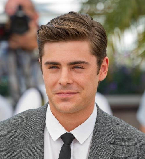 Short Hairstle For Men With Side Part