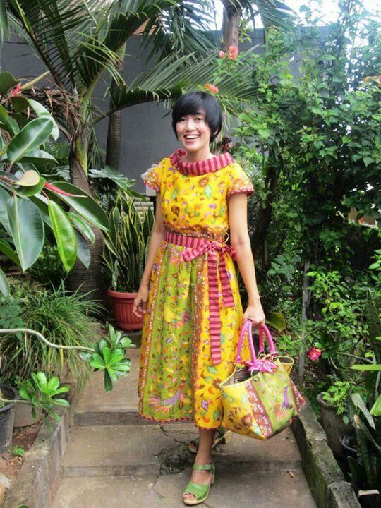 ♥ Batik amarillis made in Indonesia ♥ Batik Amarillis Creative Director Selly Hasbullah Wearing Batik Amarillis's hey day dress ... www.batikamarilli...