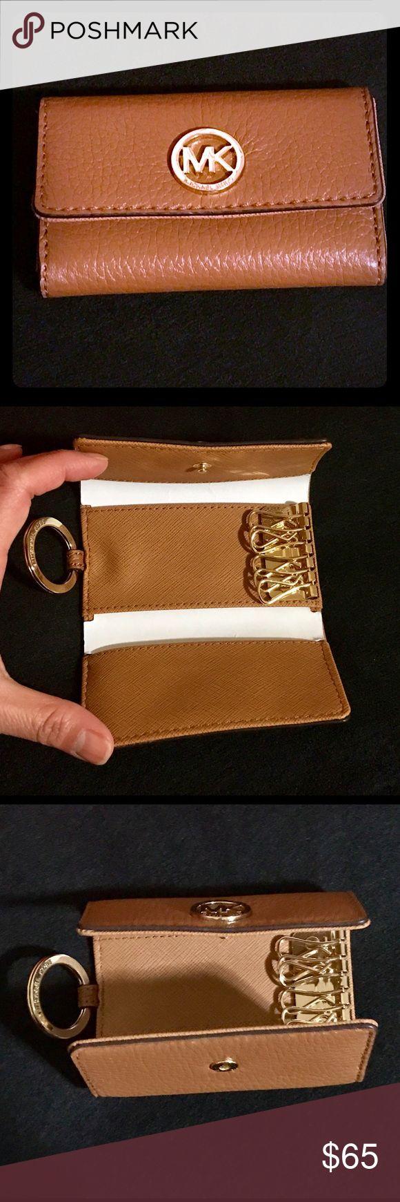 ✨Michael Kors Fulton Acorn key case✨ Brand new with tag Michael Kors Accessories Key & Card Holders