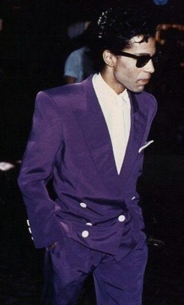 Waoaw! Rare Parade era purple silky suit pic!