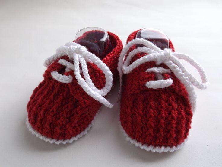 tenis feito em croche, cores e tamanhos a crit�rio do cliente <br> tamanhos:0 a 3 meses,3 a 6 meses !!! <br>informar o tamanho no ato da compra!