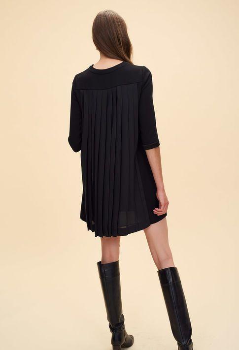 Robe baby-doll dos plissé    Fashion  - Claudie Pierlot   Pinterest    Pierlot, Vêtements stylés et Robe e423a80e4af0