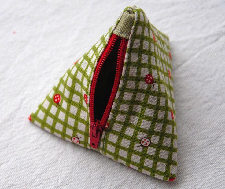 Pyramid Bag Tutorial