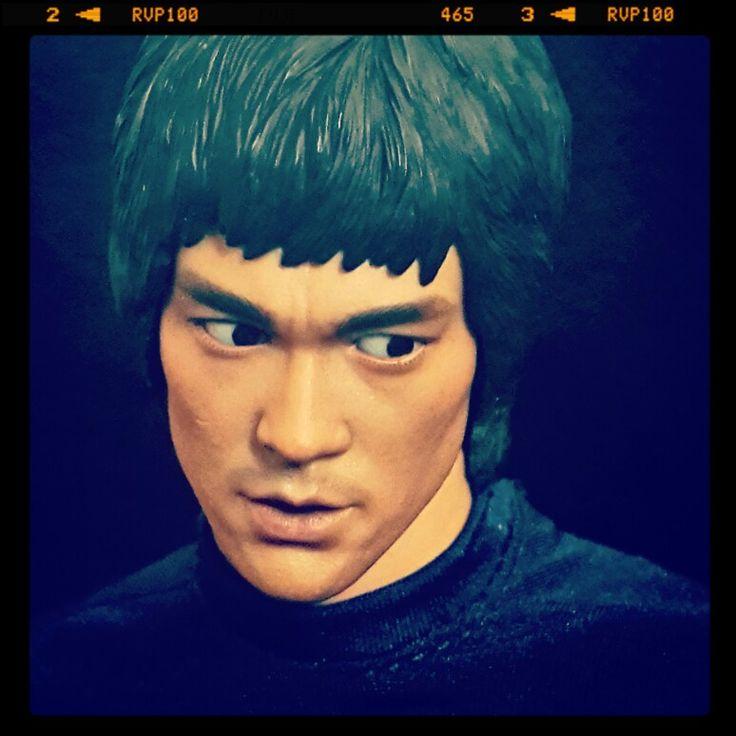 Hot Toys 1/6 - Bruce Lee