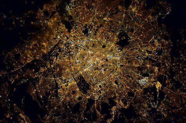 Paris. CitiesfromSpace by Tim Kopra https://twitter.com/astro_tim/status/713861538424168449