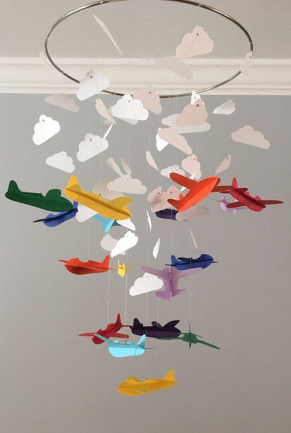 les 25 meilleures id es de la cat gorie avion mobiles sur pinterest origami avion chambre d. Black Bedroom Furniture Sets. Home Design Ideas