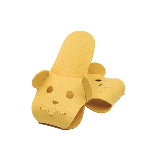 http://designersko.pl/boogiedesign-kapcie-filcowe-puppets-dog - Składane kapcie z naturalnego, wełnianego filcu (100% wełny) z pyszczkiem psa.  #design #dizajn #pets #dog #dogs