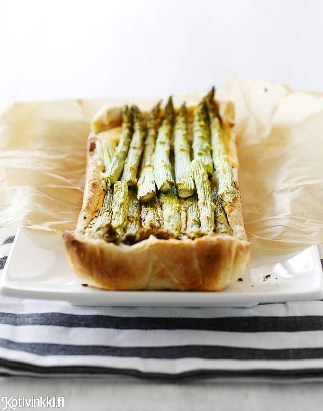 Parsapiirakka pikana | Kotivinkki Text: Piia Helasto Pic: Joonas Vuorinen #pie #asparagus