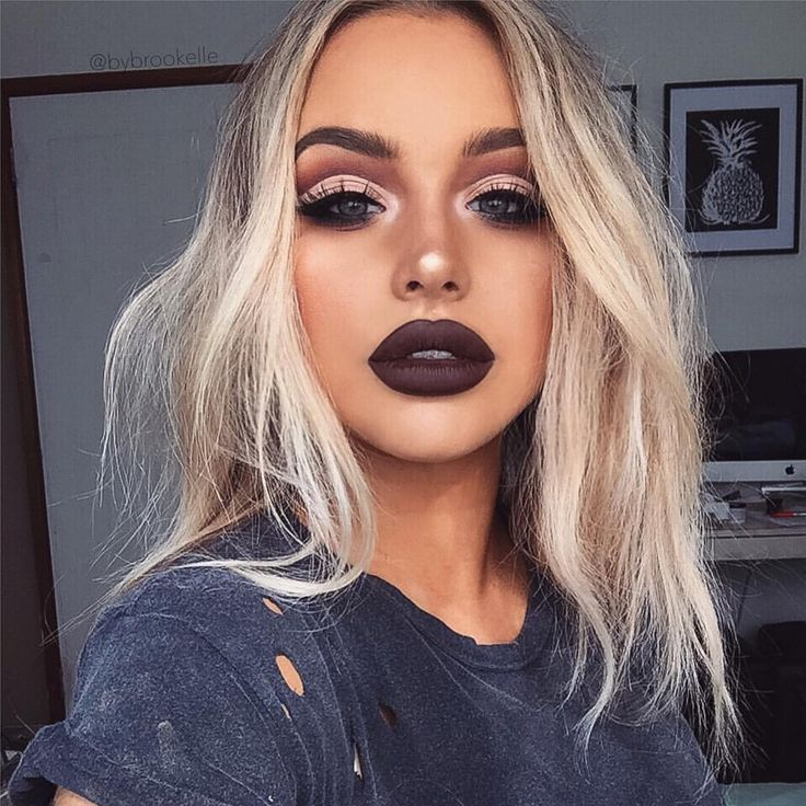 """Brookelle McKenzie on Instagram: """"Cut Crease Grunge lips Lips are @ofracosmetics 'Brooklyn' @anastasiabeverlyhills/@norvina Shadows in Lace, Fresh, Party Dress, Burnt Orange, Blazing and Fudge @makeupgeekcosmetics Shadow in Peach Smoothie and Corrupt @anastasiabeverlyhills #BrowPowder in Blonde @napoleonperdis Wand-er Brow @ofracosmetics Highlighter in 'You Dew You' @maccosmetics Mineralise Skinfinish in Oh Darling! @macco"""